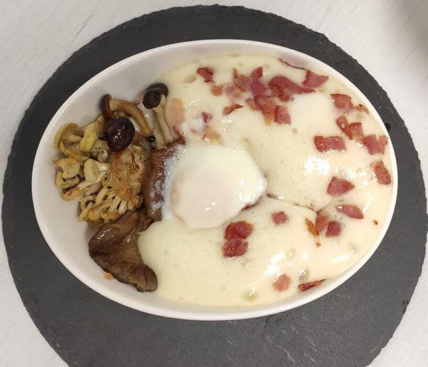 Huevos a baja temperatura en bol
