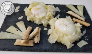 Huevos a Baja Temperatura con Base de Parmesano