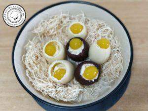 Bol de Huevos en su Nido
