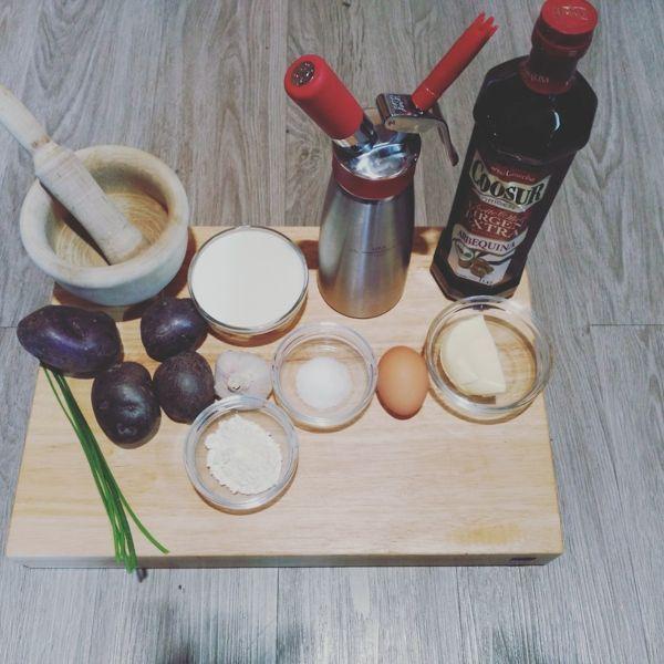 ingredientes para la espuma de patata violeta